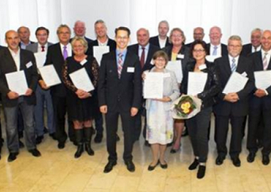 Ehrung durch die IHK Wiesbaden zum 25-jährigen Firmenjubiläum der PERICON